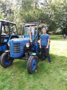 Petr a jeho traktor